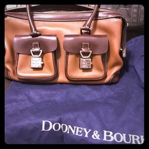 Dooney & Bourke purse very clean